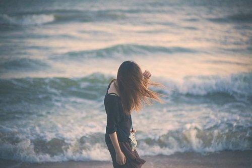 chum tho tinh lang man ve bien cung tinh yeu em anh 2 - Chùm thơ tình lãng mạn về biển cùng tình yêu em & anh